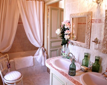 Rose Bathroom, 350x276